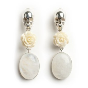 leivankah skull earrings white